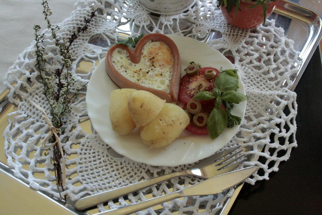 jak zrobić serca z parówek www.kasiagotuje.pl-0031