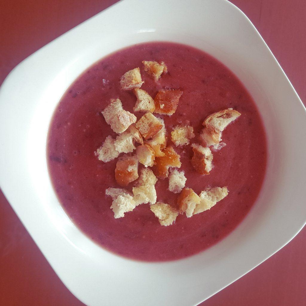 zupa śliwkowo kokosowa z grzankami